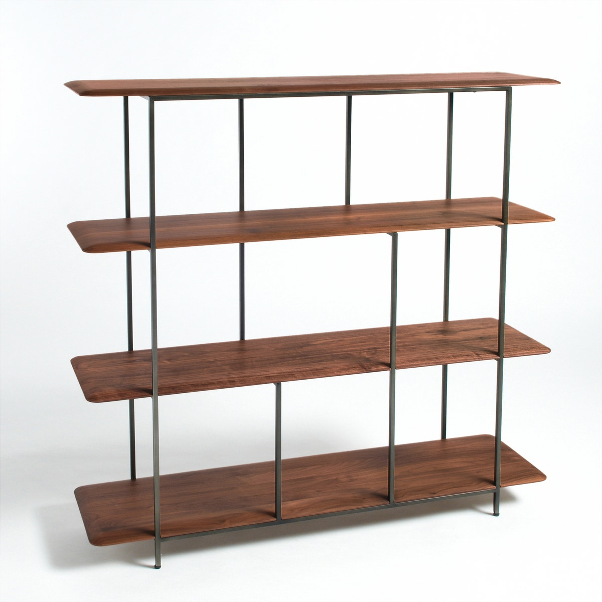 Βιβλιοθήκη Jacobson από ξύλο καρυδιάς