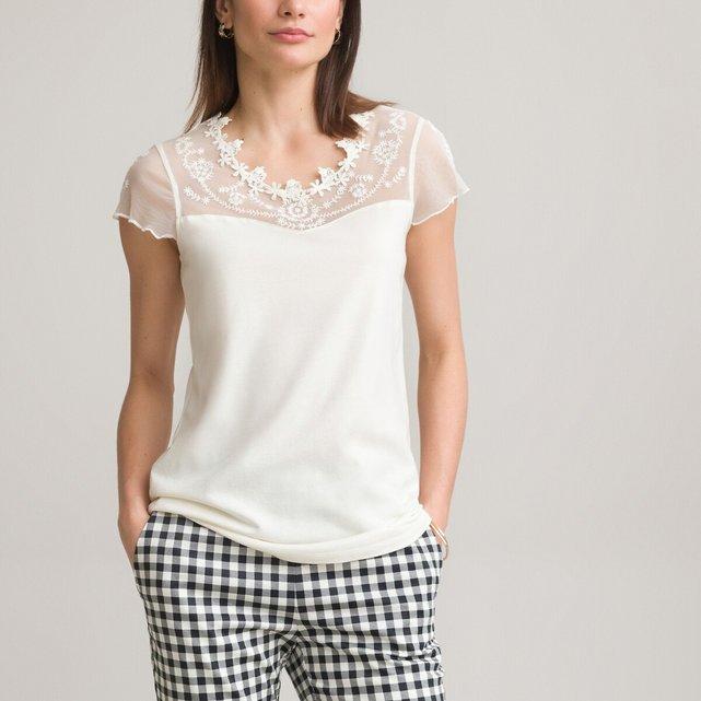 3aa406c3feb2 Κοντομάνικη μπλούζα με γκιπούρ δαντέλα και κέντημα