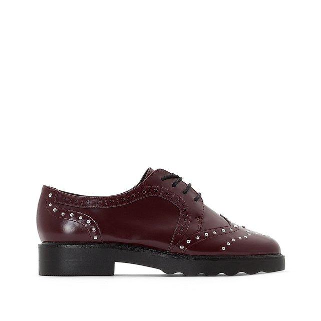 Παπούτσια derbies με τρουκ
