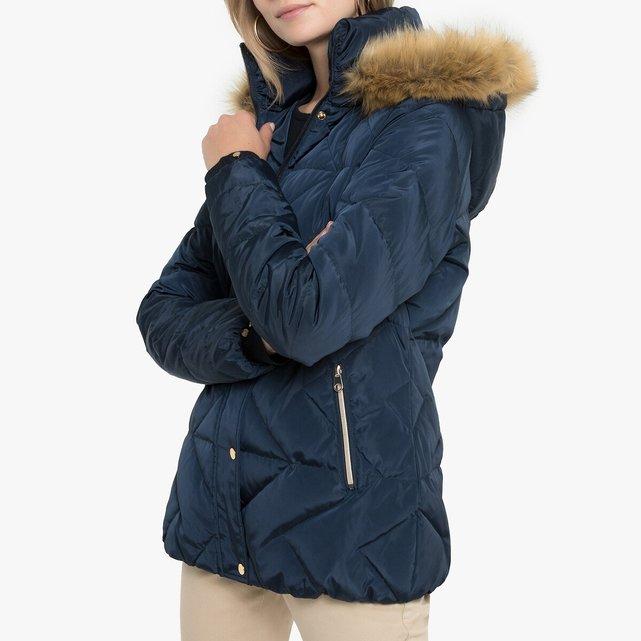 Καπιτονέ μπουφάν με κουκούλα για το χειμώνα