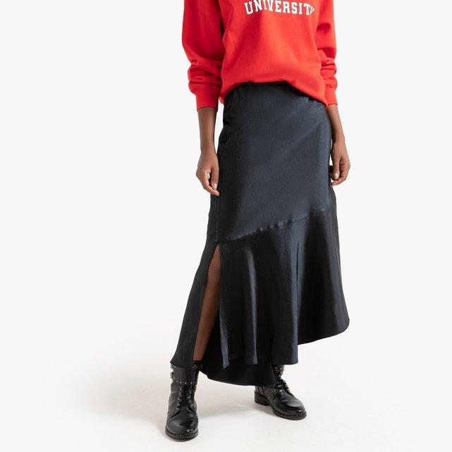 Ασύμμετρη μακριά φούστα από σατέν ύφασμα με βολάν