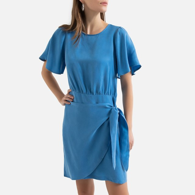 Κοντομάνικο φόρεμα με βολάν στα μανίκια