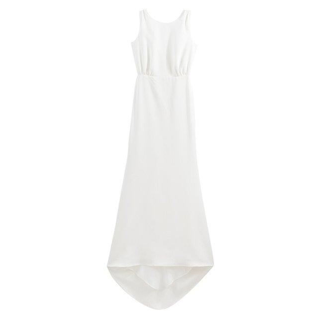 Αμάνικο μακρύ νυφικό φόρεμα με ουρά