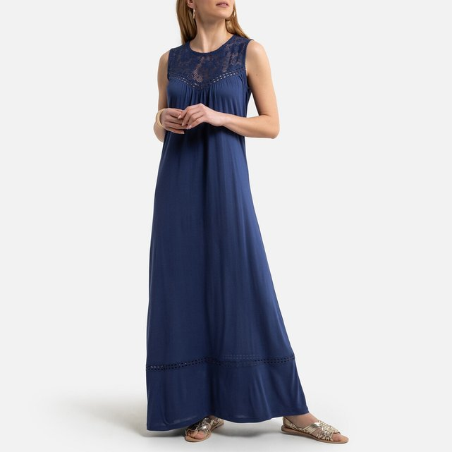 Αμάνικο ζέρσεϊ φόρεμα σε ίσια γραμμή