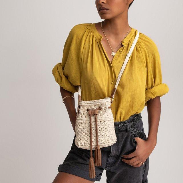 Μακραμέ τσάντα-πουγκί με δερμάτινες λεπτομέρειες