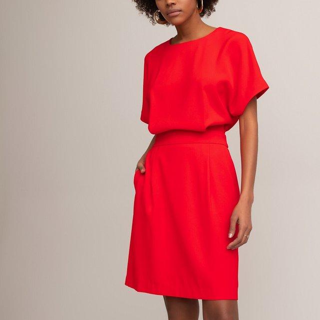 Κοντομάνικο εβαζέ φόρεμα με στρογγυλή λαιμόκοψη