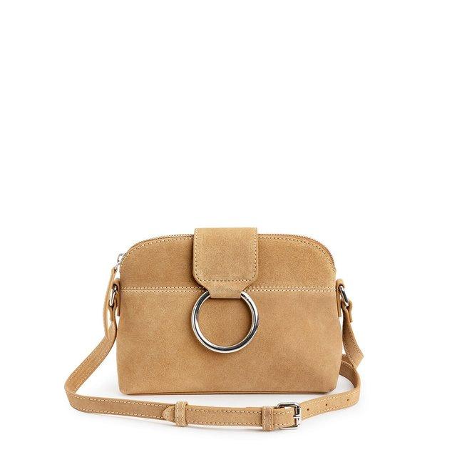 Δερμάτινη τσάντα με μεταλλικό κρίκο