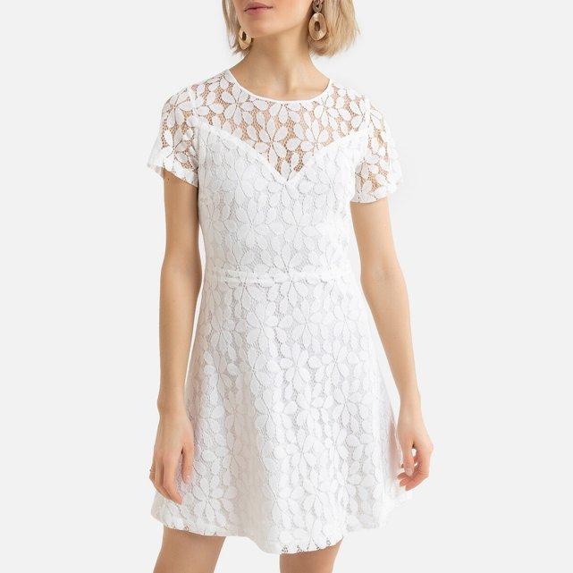 Κοντό φόρεμα με στρογγυλή λαιμόκοψη και λεπτομέρειες από δαντέλα