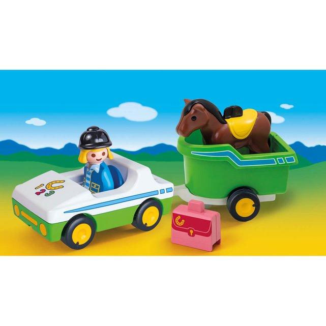 Όχημα με τρέιλερ μεταφοράς αλόγου