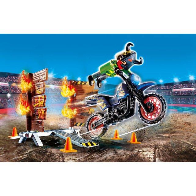 Μηχανή Motocross με φλεγόμενο τοίχο