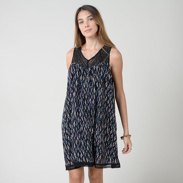 Εμπριμέ φόρεμα με V και κέντημα στην πλάτη