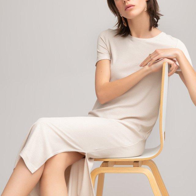 Κοντομάνικο φόρεμα από ελαστικό ριμπ ζέρσεϊ