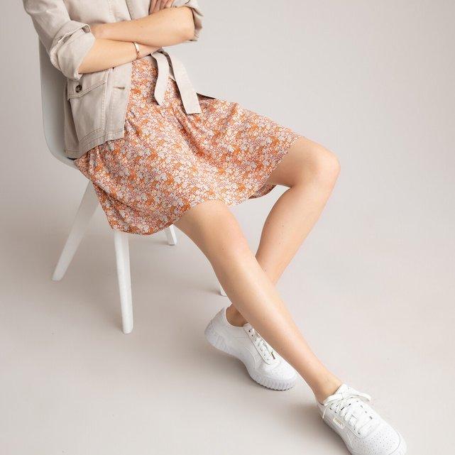 Κοντή φούστα με βολάν και φλοράλ μοτίβο