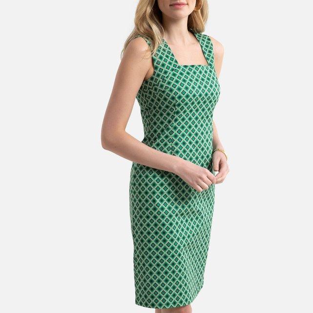 Eμπριμέ φόρεμα με γεωμετρικό μοτίβο σε ίσια γραμμή