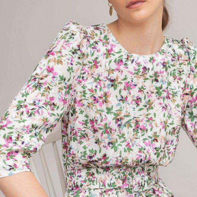 Κοντό εμπριμέ φόρεμα με στρογγυλή λαιμόκοψη και μανίκια 3|4