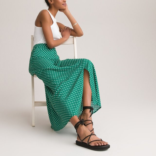 Μακριά πένσιλ φούστα από σατέν με πουά μοτίβο