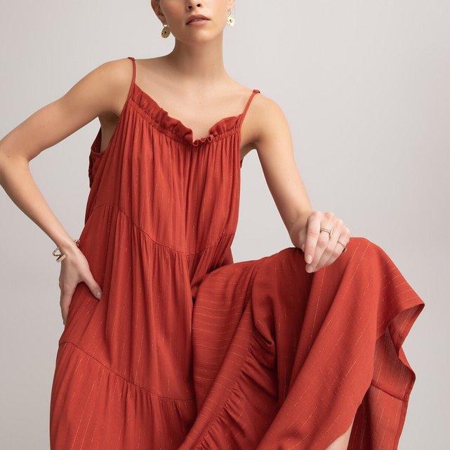 Μάξι εβαζέ φόρεμα με λεπτές τιράντες