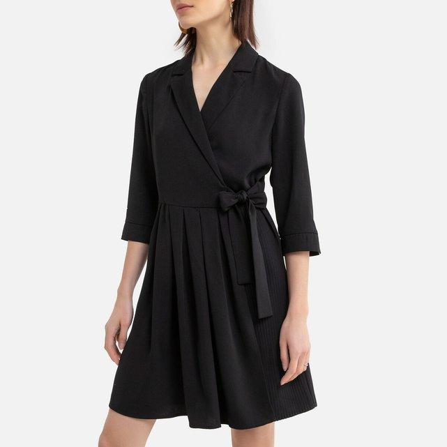Σεμιζιέ φόρεμα με πέτο γιακά και δετή ζώνη