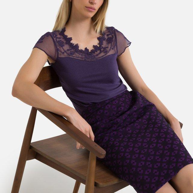 Κοντομάνικη μπλούζα με γκιπούρ δαντέλα και κέντημα