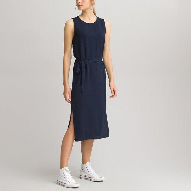 Αμάνικο φόρεμα σε ίσια γραμμή