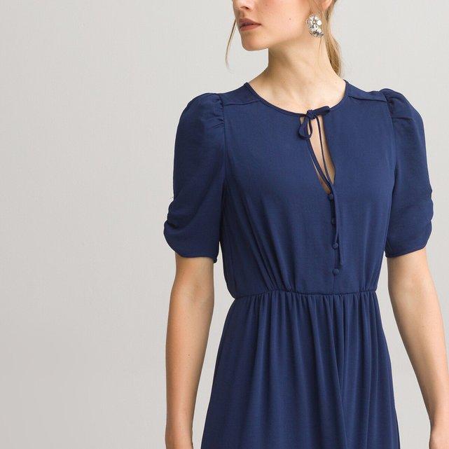 Κοντομάνικο φόρεμα με V λαιμόκοψη
