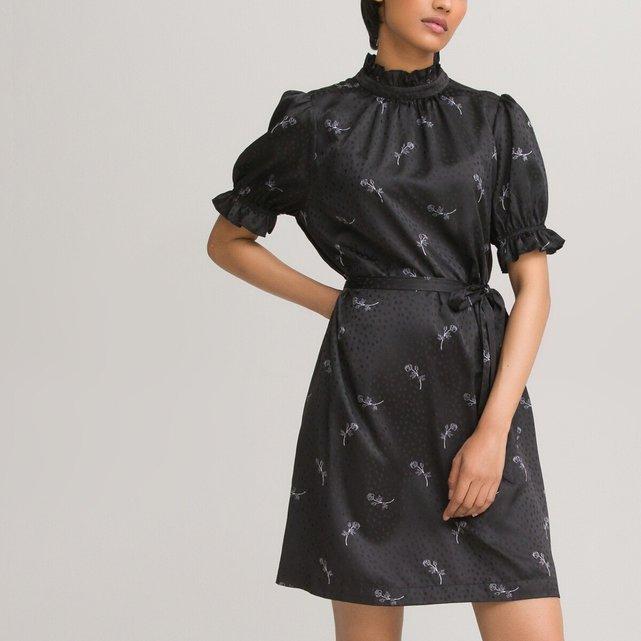 Κοντομάνικο σατέν φόρεμα με όρθιο λαιμό και εμπριμέ μοτίβο