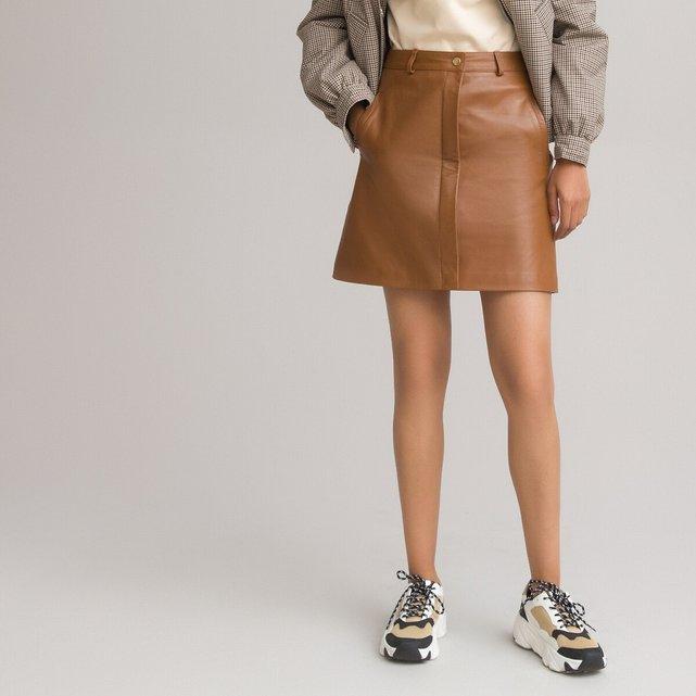 Κοντή ίσια φούστα από δέρμα