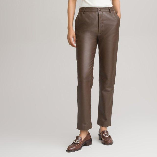 Δερμάτινο παντελόνι σε ίσια γραμμή