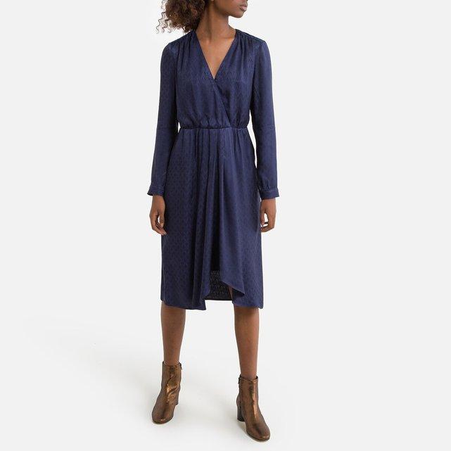 Μακρυμάνικο φόρεμα με μήκος κάτω από τα γόνατα