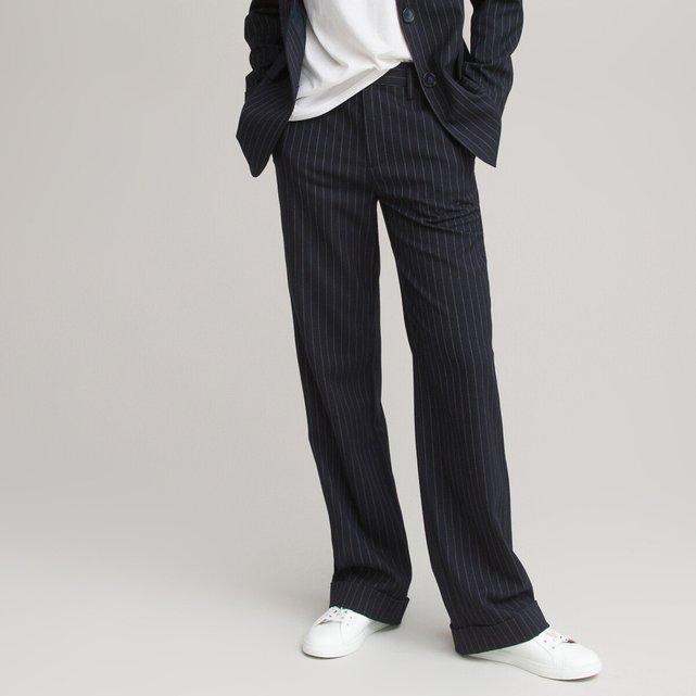 Ίσιο παντελόνι με ρεβέρ και λεπτές ρίγες