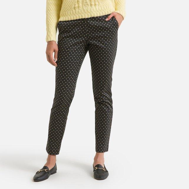 Παντελόνι σε γραμμή σωλήνα με εμπριμέ μοτίβο