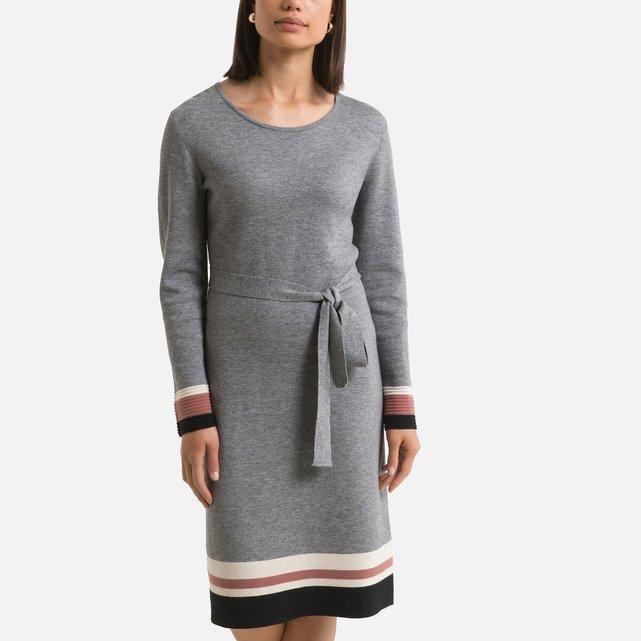 Μακρυμάνικο πλεκτό φόρεμα σε ίσια γραμμή