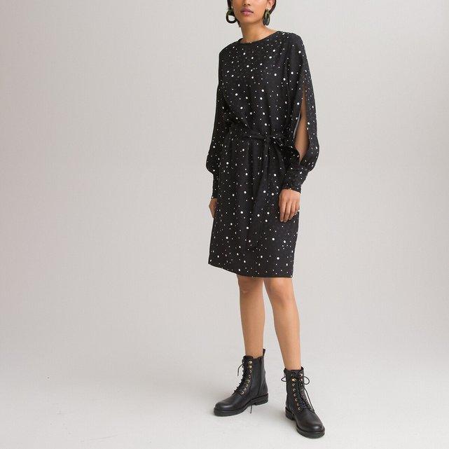 Μακρυμάνικο πουά φόρεμα με στρογγυλή λαιμόκοψη