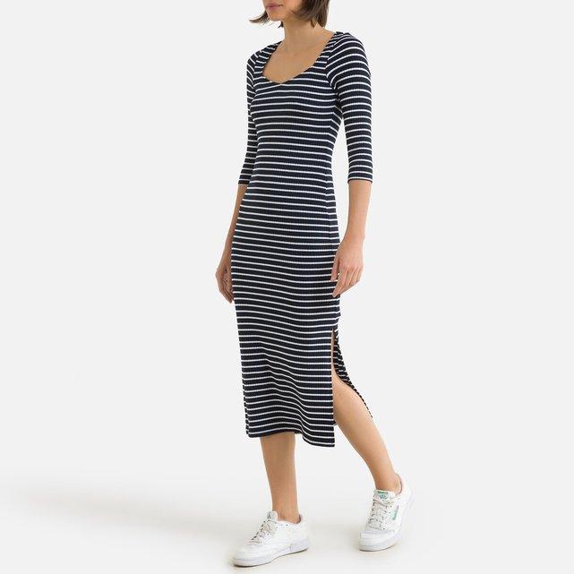 Μακρύ φόρεμα με τετράγωνη λαιμόκοψη και μανίκια 3|4