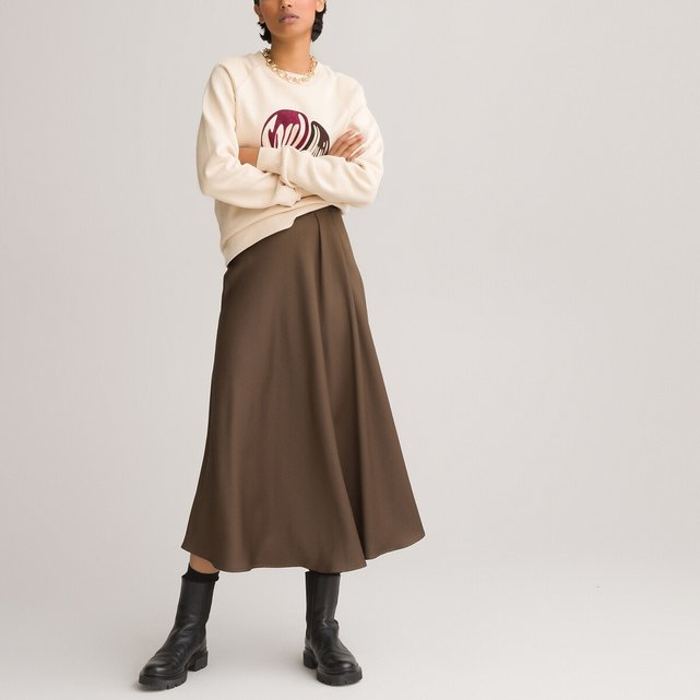Μακριά σατέν φούστα σε εβαζέ γραμμή