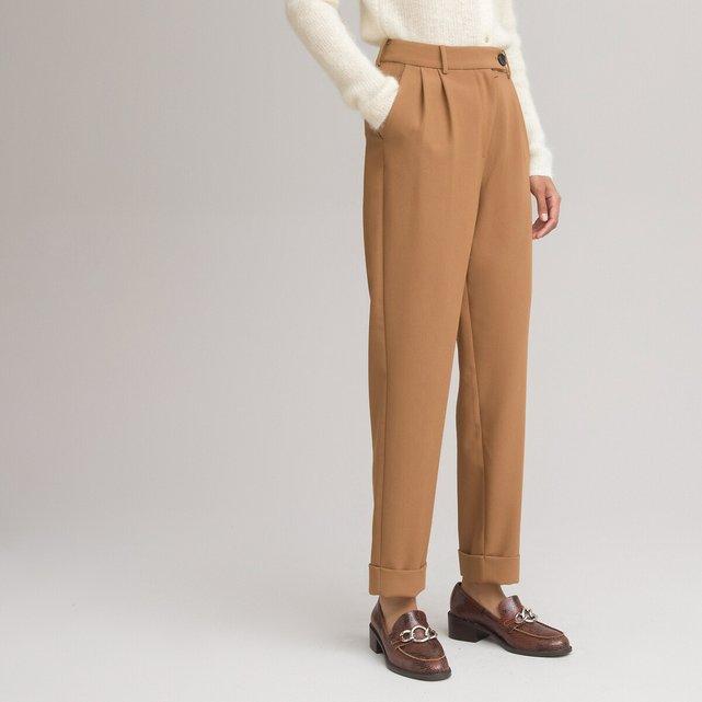 Ψηλόμεσο παντελόνι με πένσες