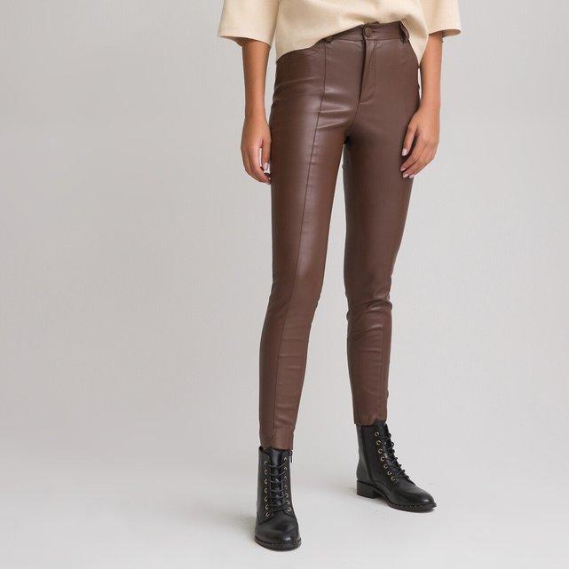 Εφαρμοστό παντελόνι από συνθετικό δέρμα