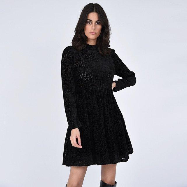 Μεσάτο φόρεμα από δαντέλα με όρθιο λαιμό