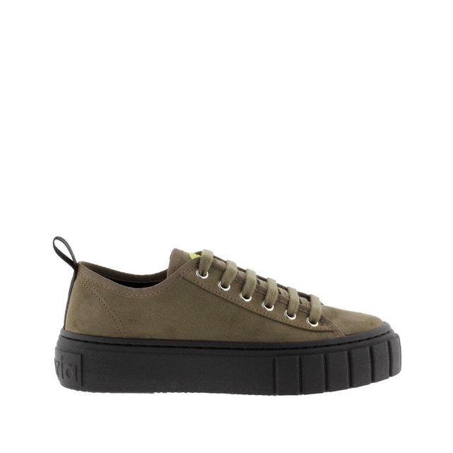 Πάνινα παπούτσια, Abril