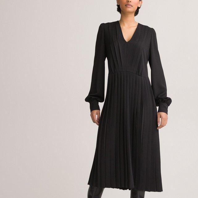 Πλισέ φόρεμα με V και μακριά φουσκωτά μανίκια